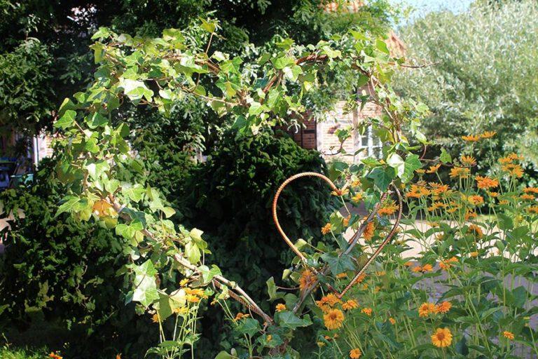 Urlaub im Landhaus Kanzler in Thandorf - liebevolle Dekoration im Garten